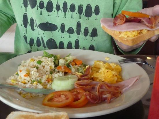 AV Hotel: 朝食