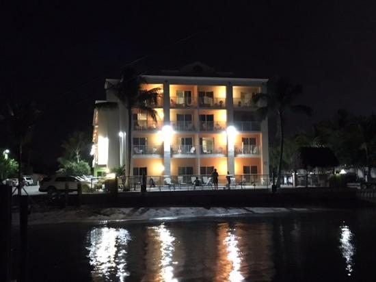 Hutchinson Island Plaza Hotel and Suites: Hotel at night from the fishing pier