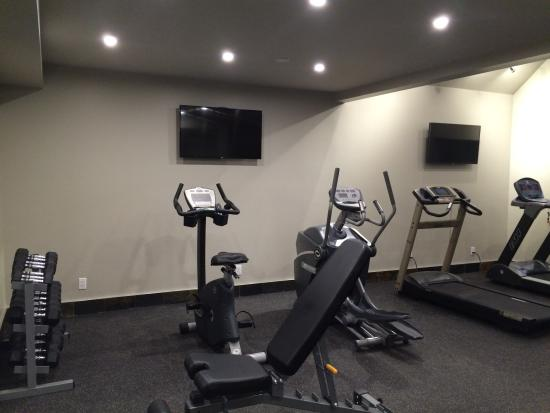 Best Western Plus Emerald Isle Hotel: Fitness Facility