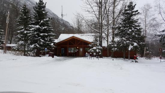 Eagle River Nature Center: The Center