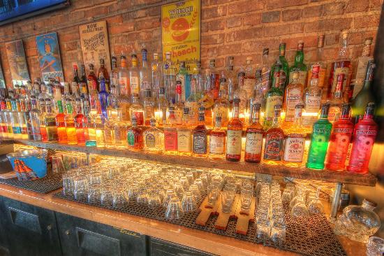 Pekin, IL: Liquor