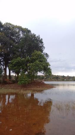 Hotel Prabhat Vihar: Unnamed lake
