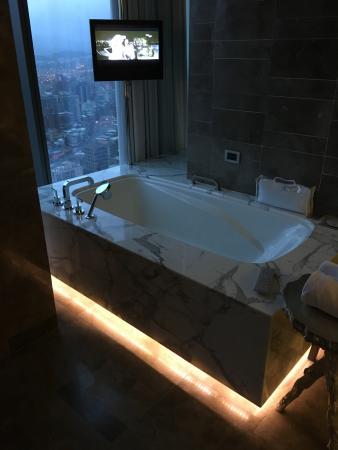Fantastic Suite - master bath tub