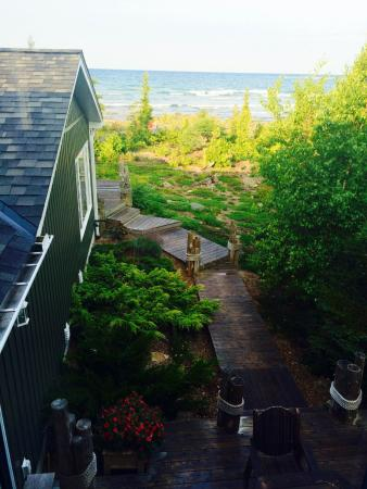 Gales Haven Bed and Breakfast: Beautiful grounds