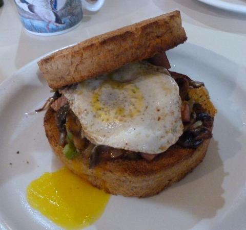 Cheney, WA: Breakfast Sandwich w/Ham...