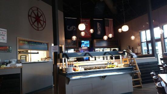 Camano Island, WA: Bar and toppings bar area