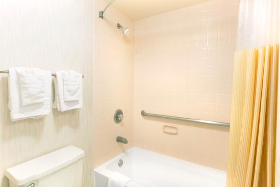 Richmond, KY: Bathroom