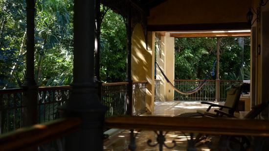 Hacienda Xcanatun: Veranda