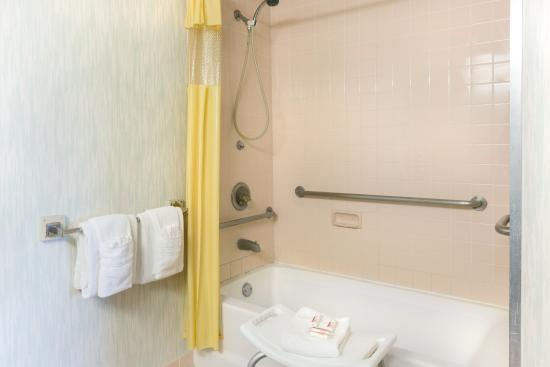 Richmond, KY: Handicap Rooms Available