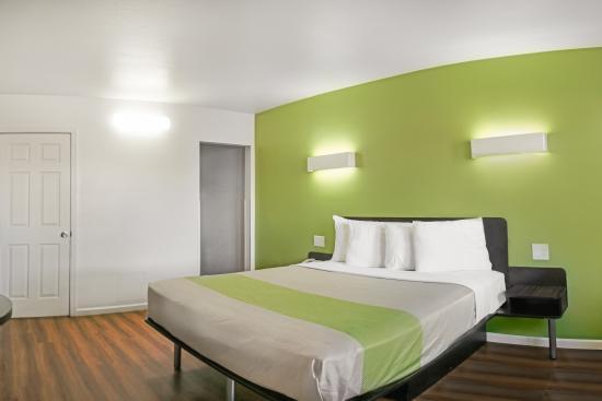 Motel 6 Visalia: Guest Room