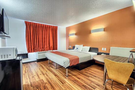 Motel 6 Columbus West: Guest Room