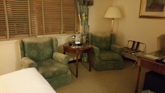 Macdonald Holyrood Hotel: Room.