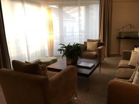 Sofitel Brussels Europe: Sitting room