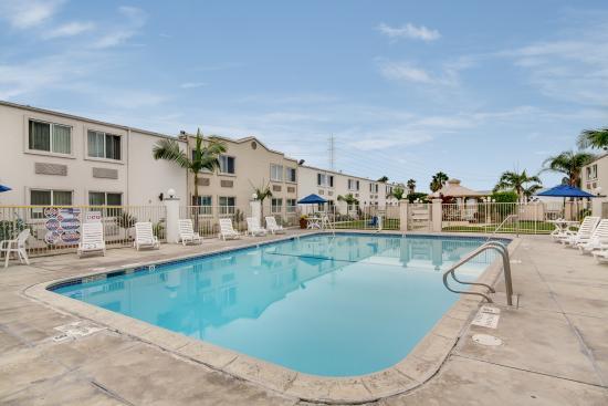 Motel 6 Garden Grove: Pool