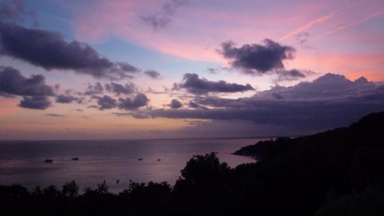 Chintakiri Resort: Sunset at Chinatkiri Resort