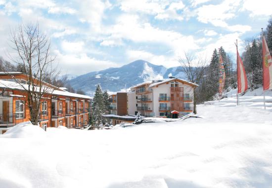 Photo of Hotel Der Waldhof Zell am See