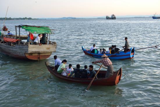 Sittwe, Μιανμάρ: fish market jetty