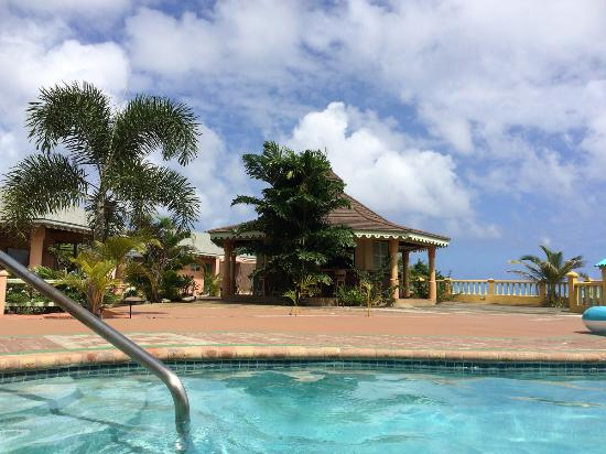 Pimento Lodge Resort: from the pool :)