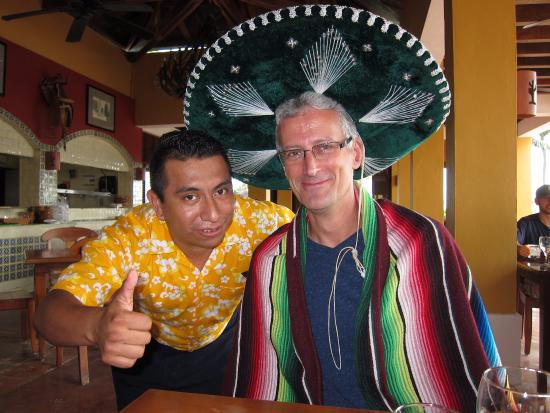 Dreams Tulum Resort & Spa: Edgar at the Mexican restaurant, try the hot sauce!