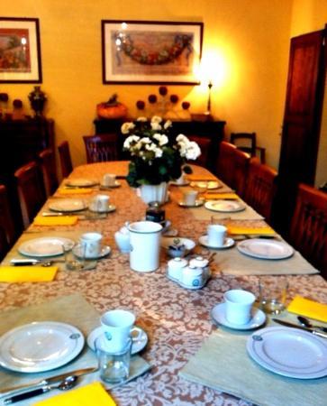 Migliarino, Italia: cafe da manha