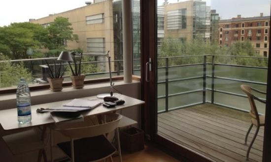 Charlottehaven: Outlook, working space, generous sized balcony