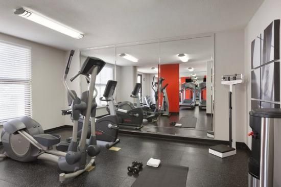 Radisson Hotel Phoenix / Chandler: Newly Renovated Fitness Center