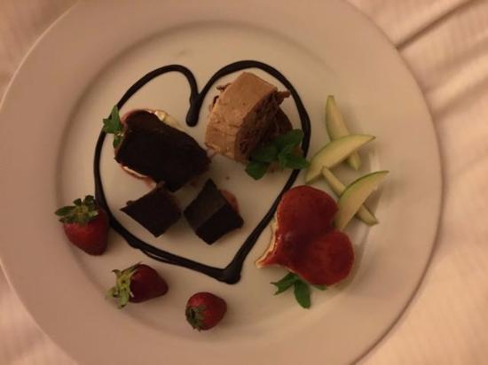 Hilton Princess Managua: Dessert Platter