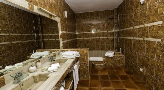 Hotel es lloquet the secret place bewertungen fotos for The hidden place hotel