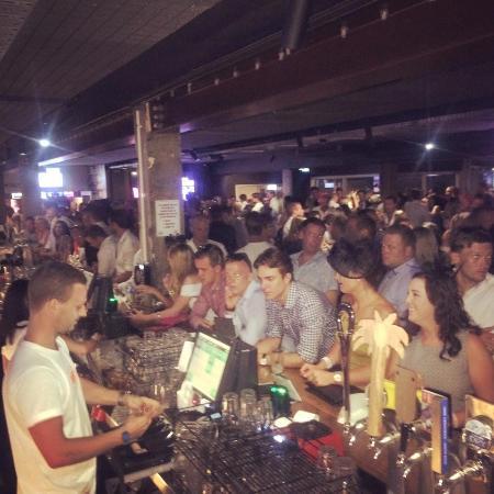 Bundall, Australie : Magic Millions after party was HUGE!