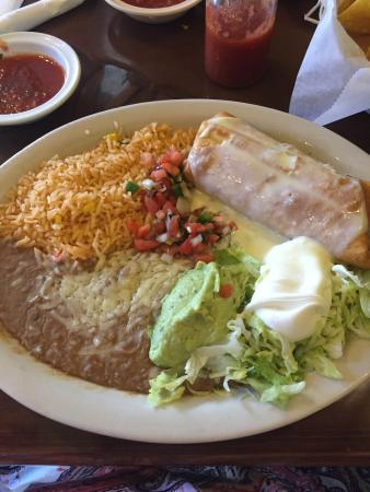 Los Parrilleros Mexican Grille: photo0.jpg