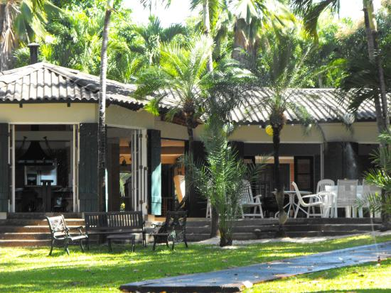Playa Hermosa: Well maintained property next to hotel