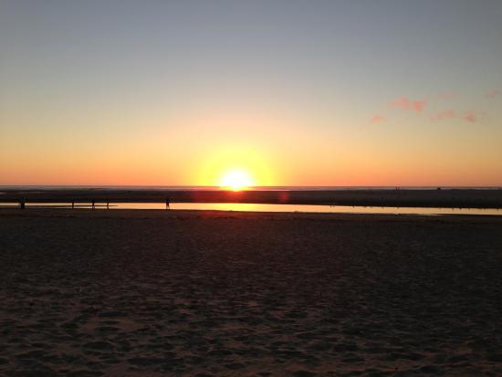 Webb's Scenic Surf Motel: Sunset From Room