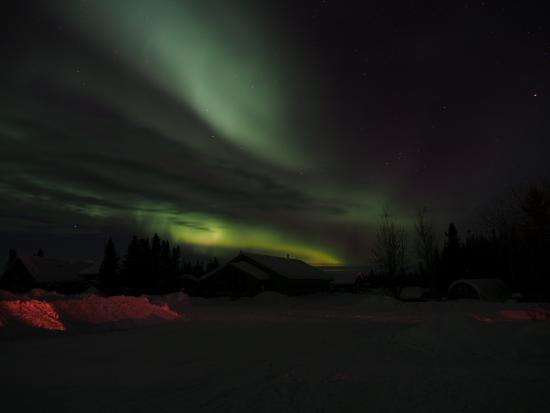 Bettles Lodge: Northern Lights outside the Lodge-1