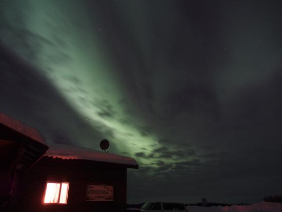 Bettles Lodge: Northern Lights outside the Lodge-2
