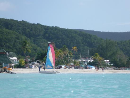 Tranquility Bay Antigua: Jolly Beach Club boats