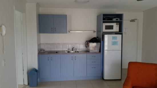 Beachside Mooloolaba Sunshine Coast: Kitchen with everything you need to cook a meal