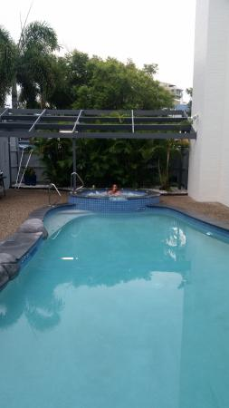 بيتشسايد مولولابا: Pool & spa