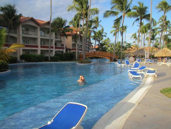 Activit s piscine picture of majestic colonial punta for Piscine majestic