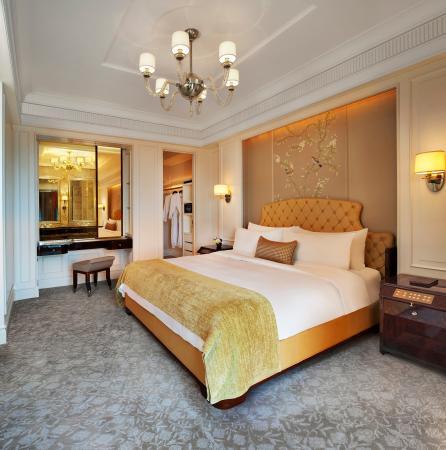 The St. Regis Singapore : The St. Regis Suite - Bedroom