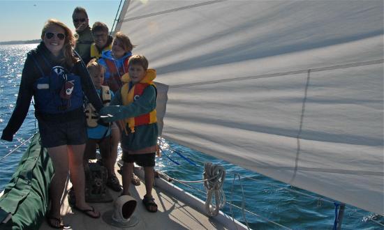 ไฟรเดย์ฮาร์เบอร์, วอชิงตัน: All Aboard Sailing