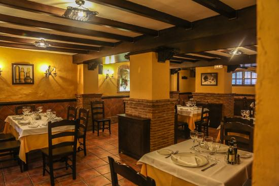 La Bodega Almedinilla: Restaurante 2