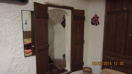 Fairy Chimney Inn: Door to second bedroom