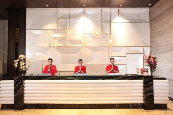reception desk picture of swiss belinn karawang karawang rh tripadvisor co uk