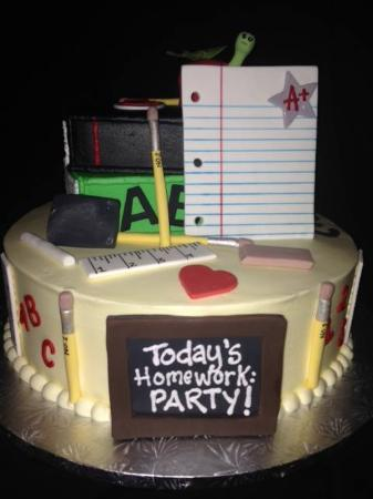Creative Memories The Sweet Spot Bakery: Customer graduation cakes
