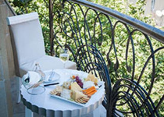 Amber Hotel : Balcony