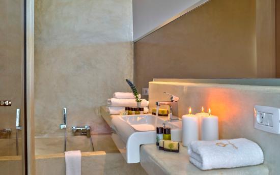 Youphoria Villas: Oneiro bathroom