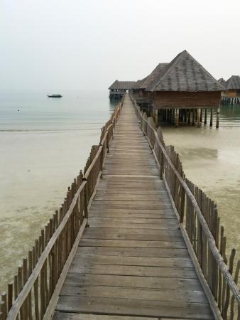 Telunas Resorts - Telunas Beach Resort: Walking from the beach back to the room.