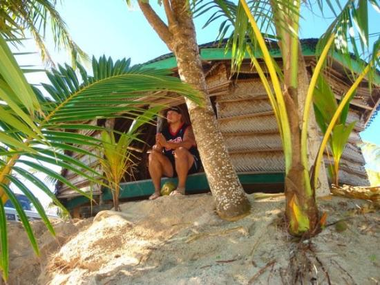 Tanu Beach Fales: Sitting in our Fale (room)