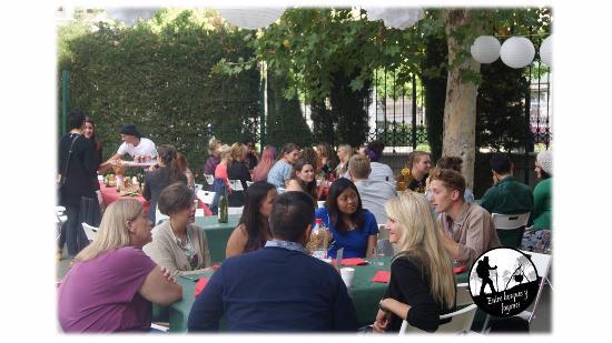Viznar, Spagna: Comida de recepción auxiliares de conversación de la provincia de Granada
