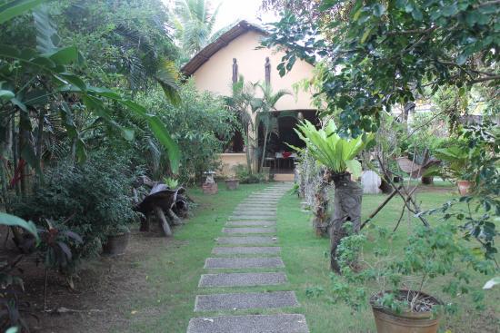 Hibiscus Garden Inn: beautiful garden